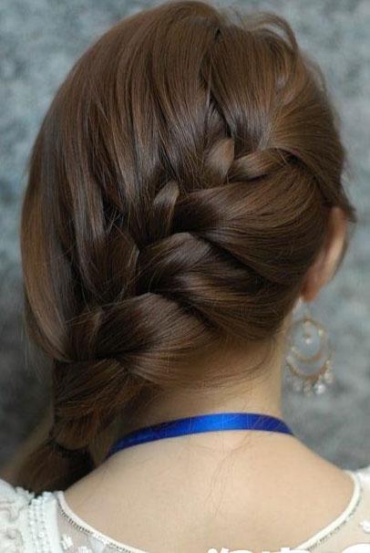 长直发斜蜈蚣辫的编法详细图解-扎头发网