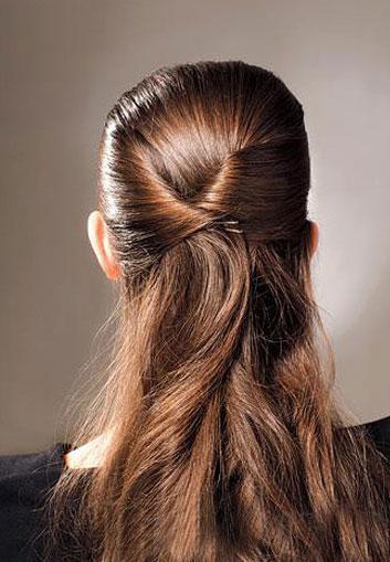 简单编发教程视频_清新简单韩式扎头发的方法-扎头发网