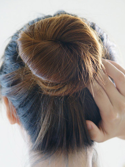 短发造型方法_盘头发的方法图解(二)-扎头发网