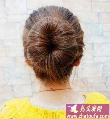 长头发怎么扎好看之日系丸子头