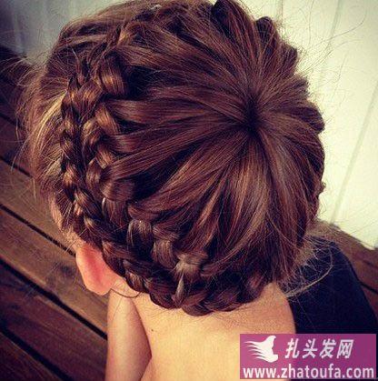 漂亮简易蜈蚣辫扎法-扎头发网