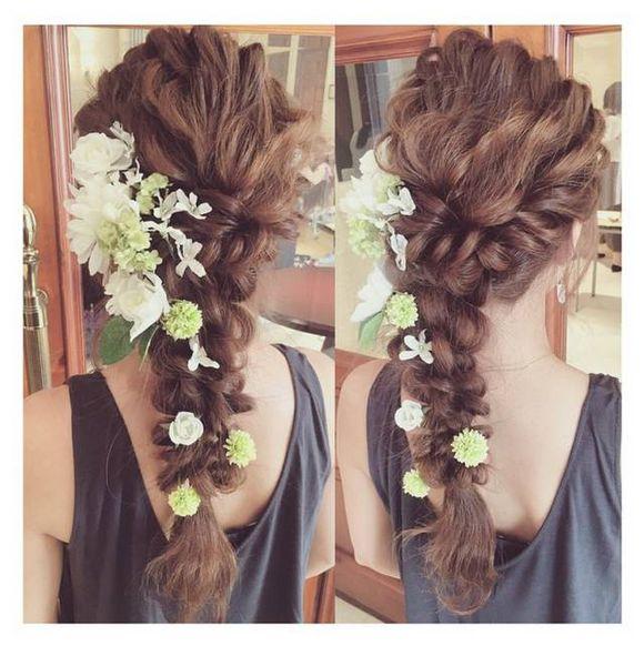 超美的新娘鲜花扎发,化妆造型师们都在学图片